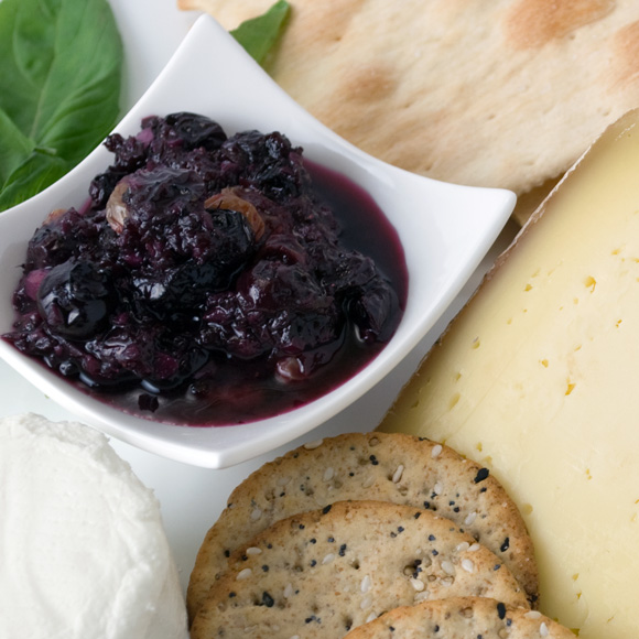 Spicy Blueberry Ginger Chutney with Artisan Crackers and Cheese