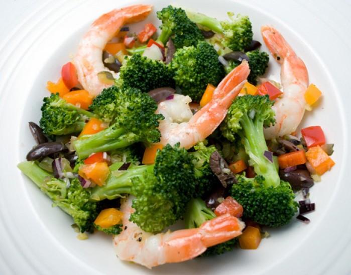 Spanish Brocoli & Prawn Salad