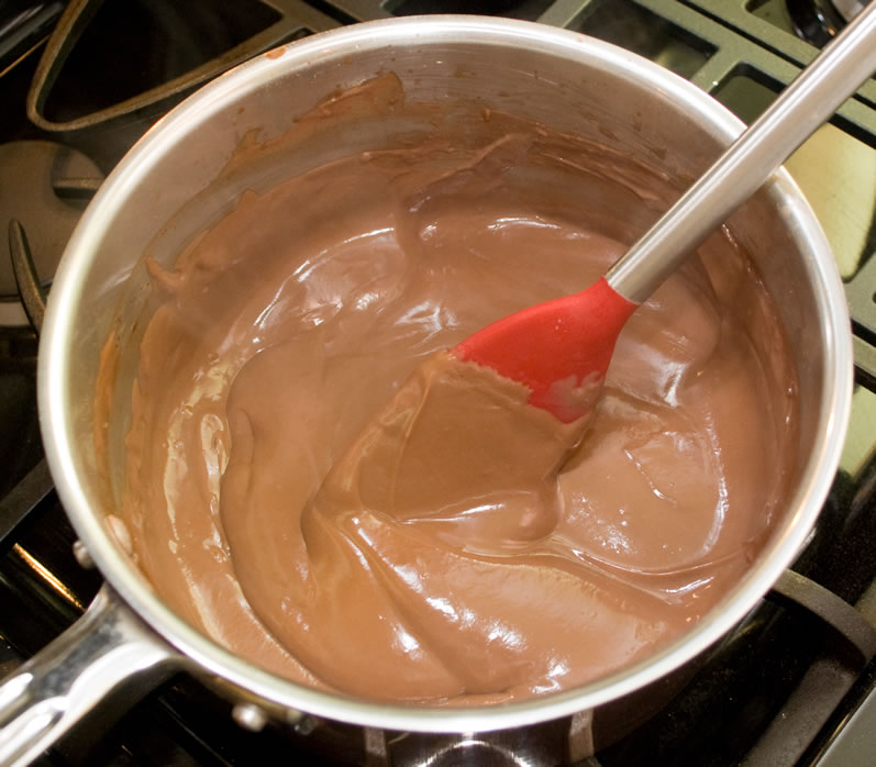 LunaCafe's Ultimate Chocolate Pudding on the Stove