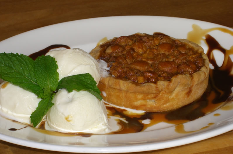 Longhi's Hot Macadamia Nut Pie with Häagen-Dazs Ice Cream