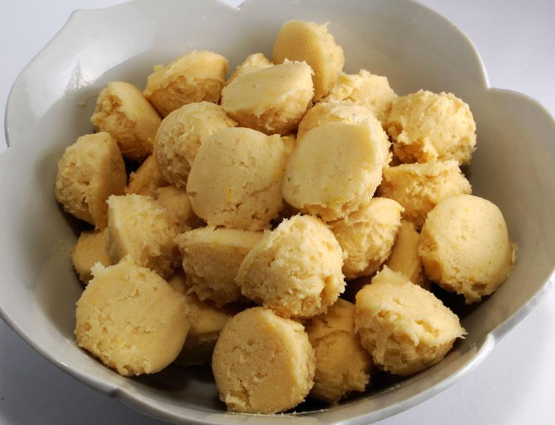 Super Lemon Teacake Cookies in Dough Balls