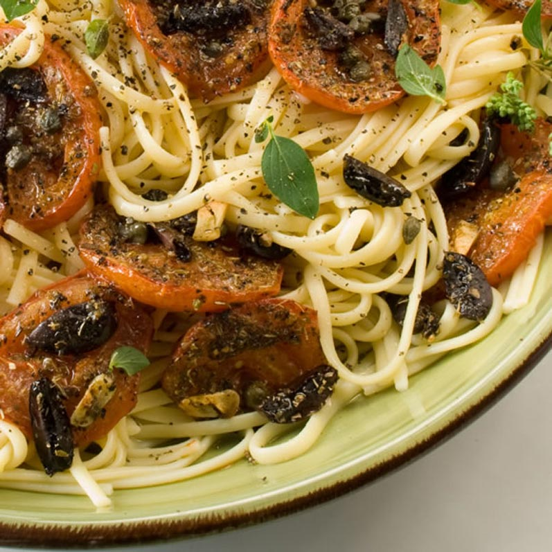Linguine with Balsamic Roasted Heirloom Tomatoes | LunaCafe