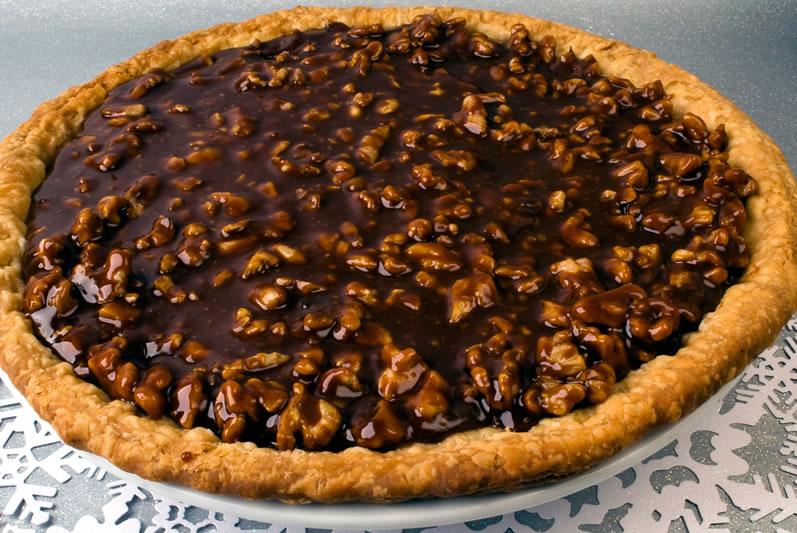 Pumpkin Sour Cream Pie with Caramel Walnut Topping | LunaCafe