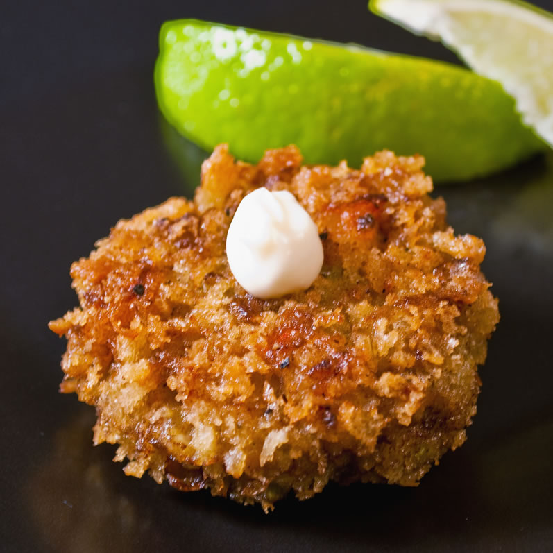 Curried Seafood Cakes with Ginger Aioli