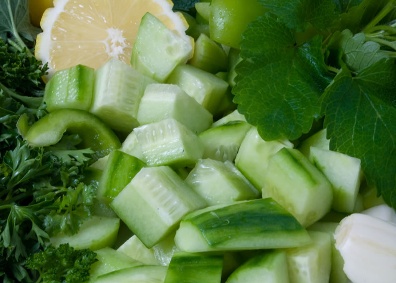 Cucumber, Parsley, Mint, Lemon & Garlic for Spicy Cucumber Gazpacho
