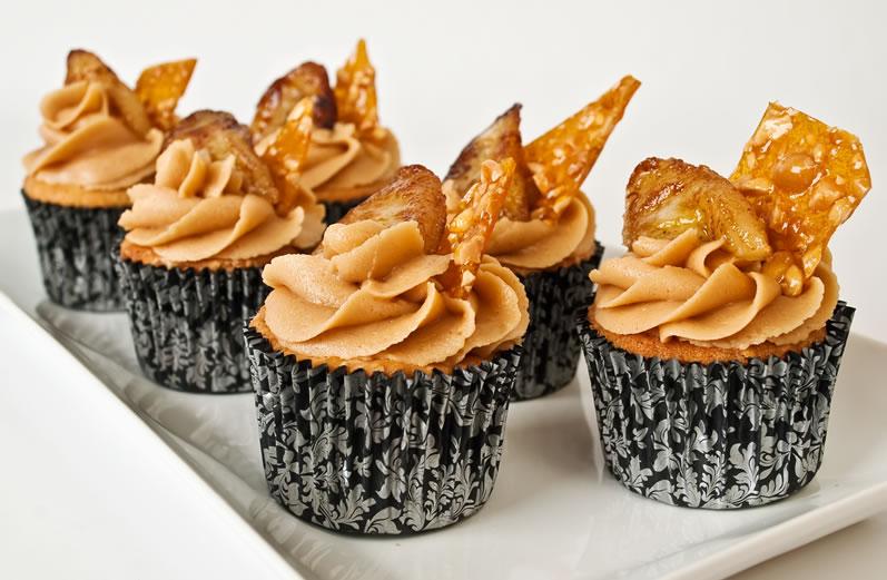 Peanut Butter Garam Masala Cupcakes with Creamy Dreamy Peanut Butter Frosting, Peanut Praline & Caramelized Banana
