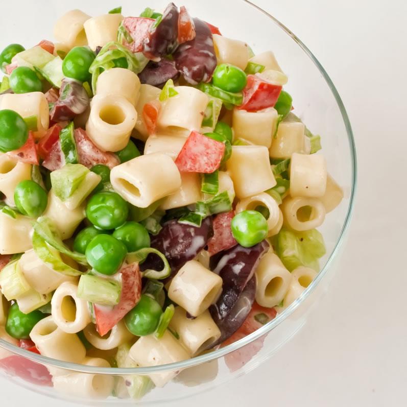 Old-Fashioned Creamy Macaroni Salad