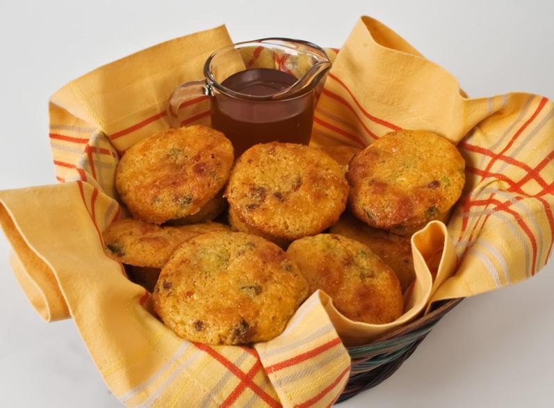 Chipotle Cheddar Corn Bread | LunaCafe