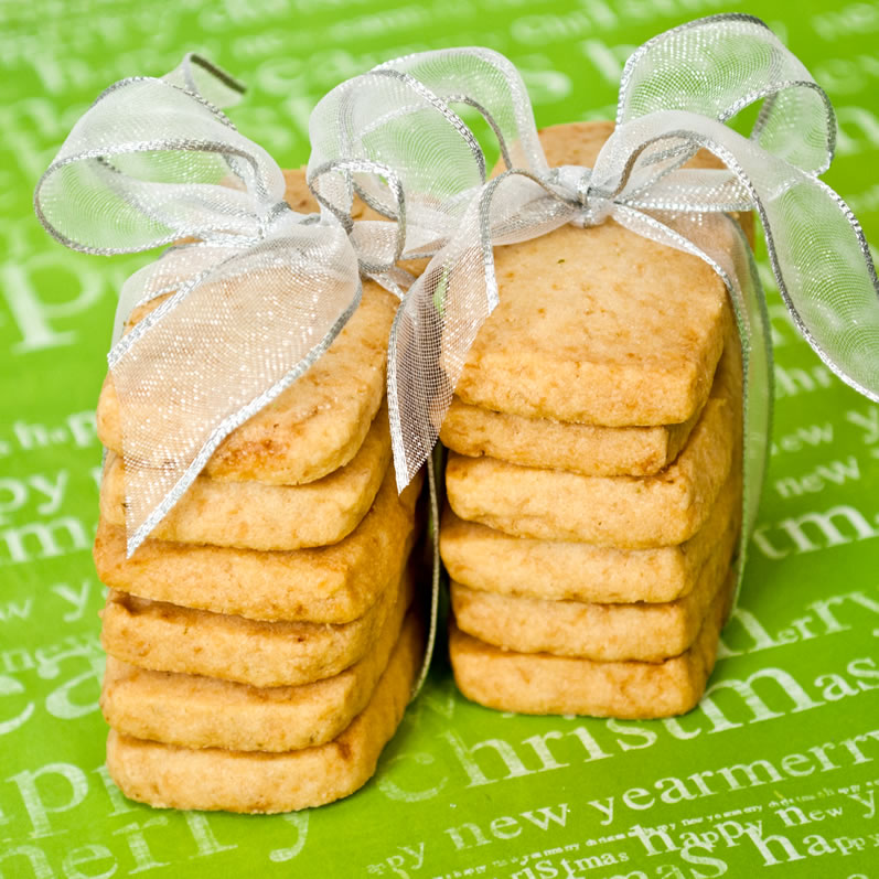 Christmas Cookies: Coconut Vanilla Lime Shortbread Stacks