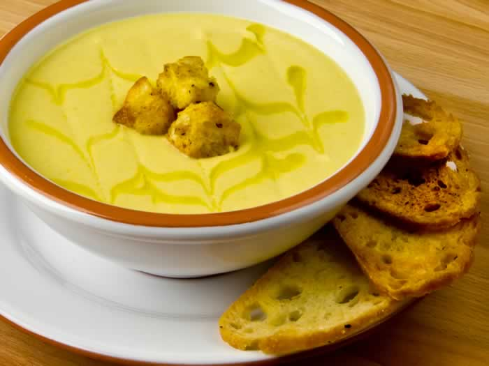 Creamy Cauliflower Leek Soup with Curried Mustard Croutons   LunaCafe