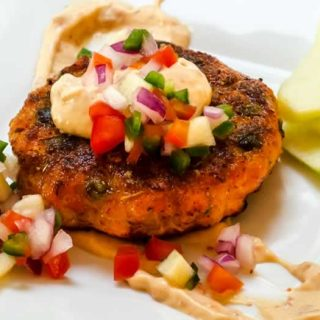 Smoked Sockeye Salmon Cakes with Chipotle Aioli & Green Apple Pica de Gallo