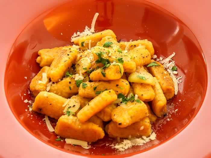 Pumpkin Ricotta Gnocchi with Garlic Sage Butter + Tips ...