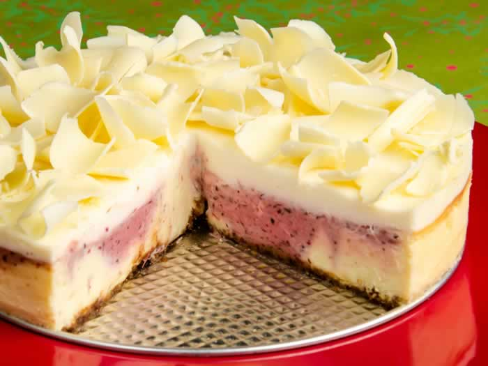 Marbled Spiced Cranberry & White Chocolate Cheesecake | LunaCafe