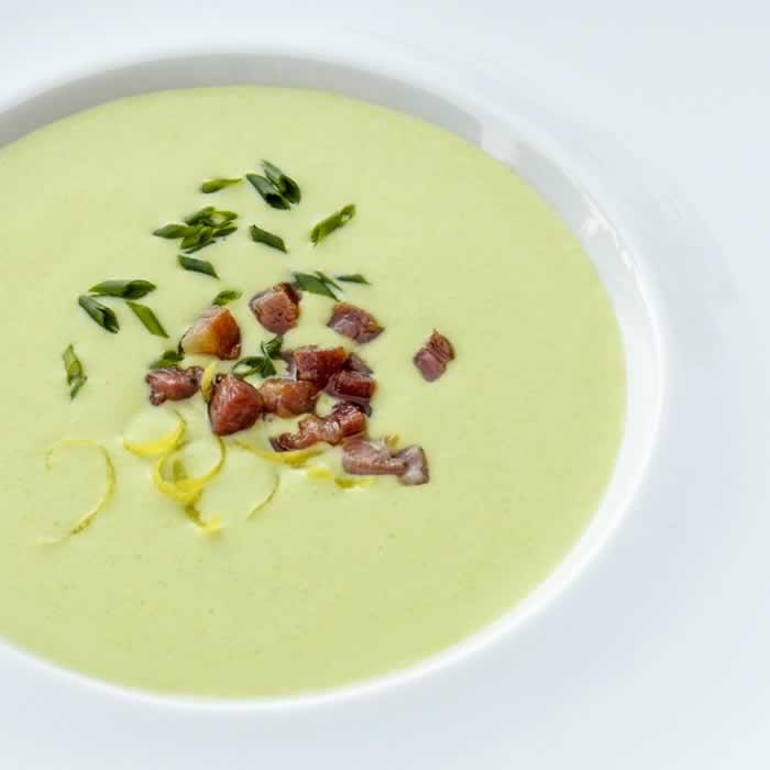 The Perfect Vichyssoise (Cold Potato Leek Soup)| LunaCafe