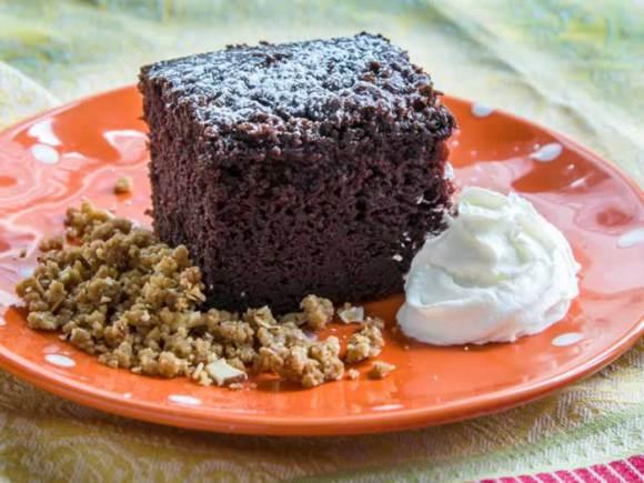 10 Super Easy Chocolate Dream Cakes: Mad Dash Chocolate Cake (Fast & Easy)