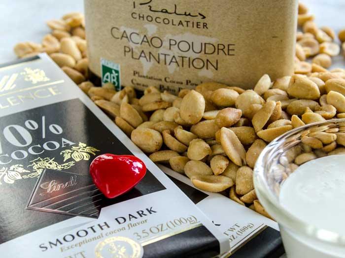 Homemade-Peanutella-(Peanut-Butter-&-Chocolate-Spread)-Peanuts