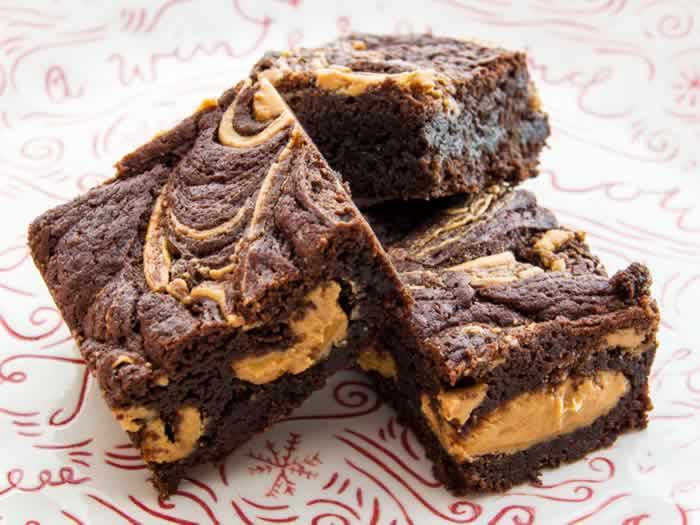 Peanut Butter Fudge Brownies | LunaCafe