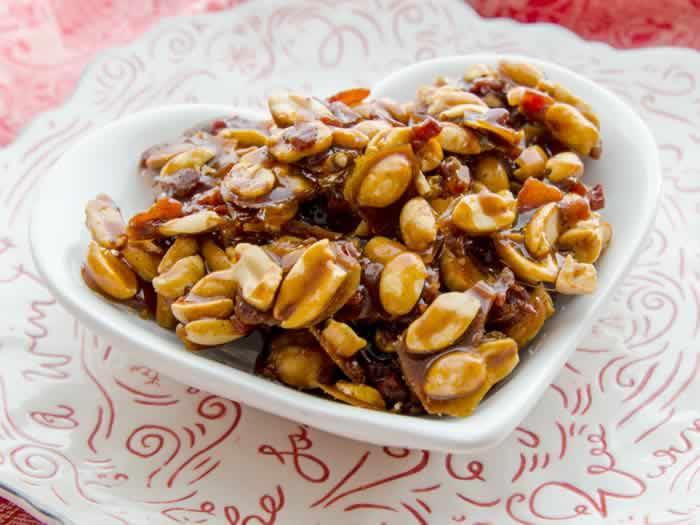 Spicy Caramelized Bacon & Peanuts   LunaCafe
