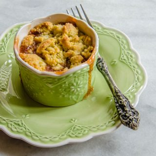Rhubarb Lemon-Thyme Crumble | LunaCafe