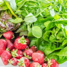Strawberry, Baby Lettuce, & Pea Vine Salad with Strawberry Balsamic Syrup | LunaCafe