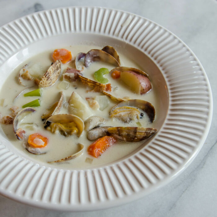 Northwest Creamy Manila Clam Chowder | LunaCafe