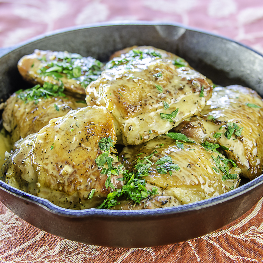 SAUTÉED CHICKEN THIGHS WITH SAVORY HERBS & GARLIC ALA JULIA CHILD | LUNACAFE