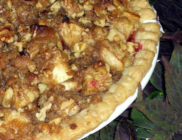 Apple Cranberry Pie with Toasted Walnut Streusel